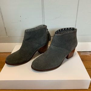 ✨Tom's Booties with Small Heel✨ Women's 6.5